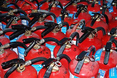 Extintores para coches Coslada, ¿cómo usarlos?