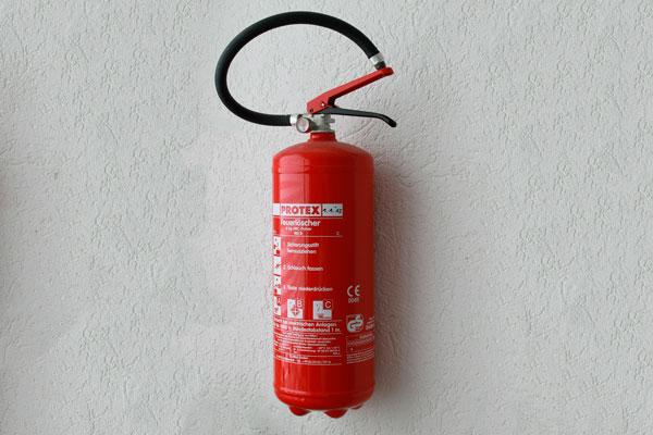 revisión de sistemas contra incendios