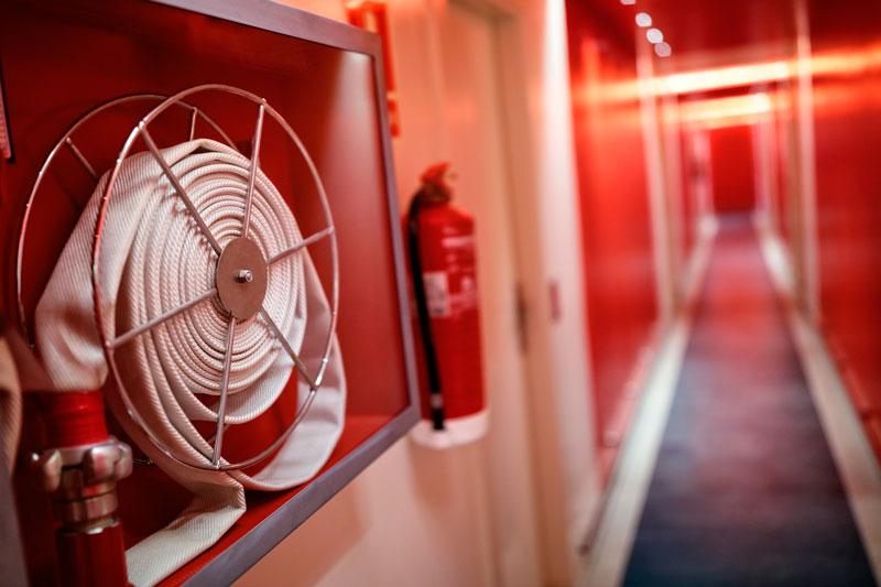 ¿Dónde encontrar un extintor en caso de incendio?